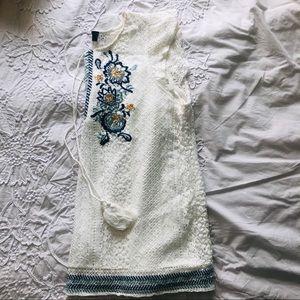 Francesca's Collections Tops - Women's Lace Cap Sleeve Blouse
